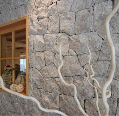 Pilastri interni rivestiti in pietra frusta per - Rivestimento muro interno ...